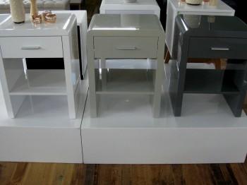 design nachttisch boxspringbett nachtkommode sn 1 wei hochglanz neu. Black Bedroom Furniture Sets. Home Design Ideas