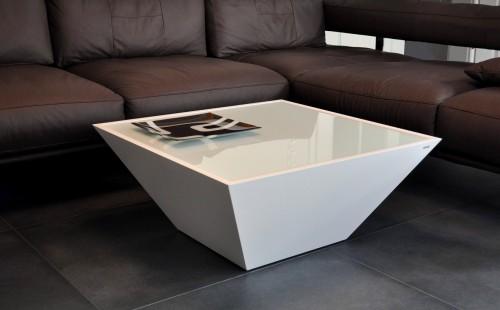 DESIGN COUCHTISCH Carl Svensson Pyramide MV3 Weiß Milchglas